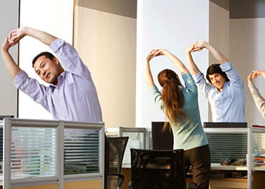 office break mind body care streching corporate gymnastic short dynamic group activity